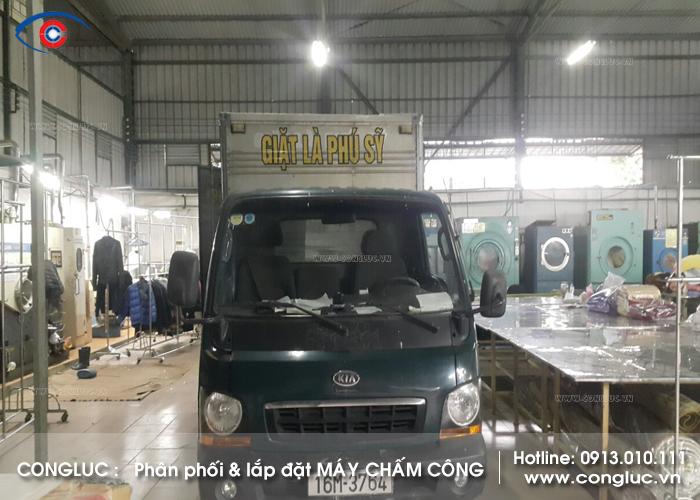 Lắp máy chấm công ở Sở Dầu cho công ty giặt là Phú Sỹ