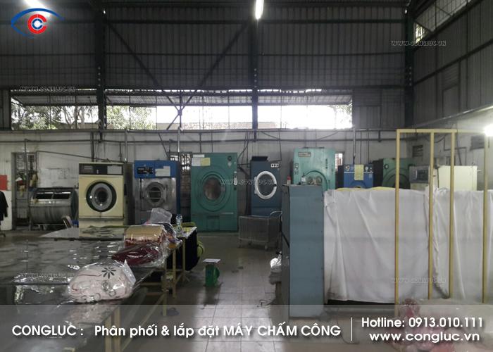 Lắp máy chấm công ở Sở Dầu Công ty Giặt Là Phú Sỹ