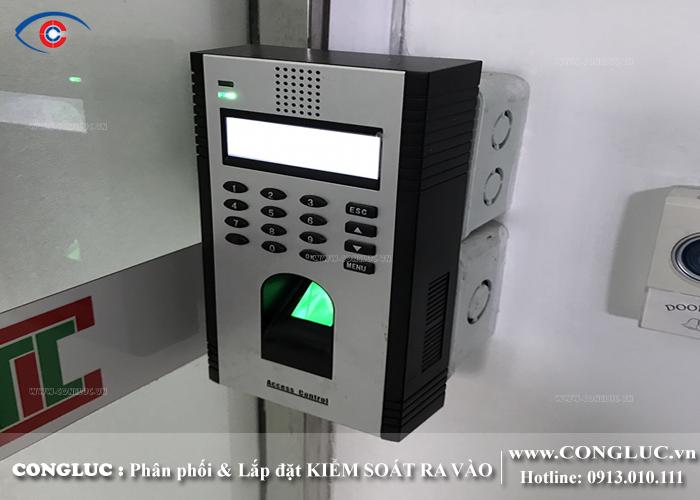 lắp đặt thiết bị kiểm soát cửa ra vào tại CCN Cảnh Hầu