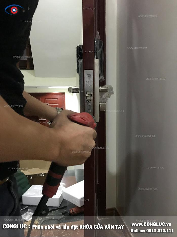Lắp khóa cửa khách sạn Adel tại Văn Cao Hải Phòng