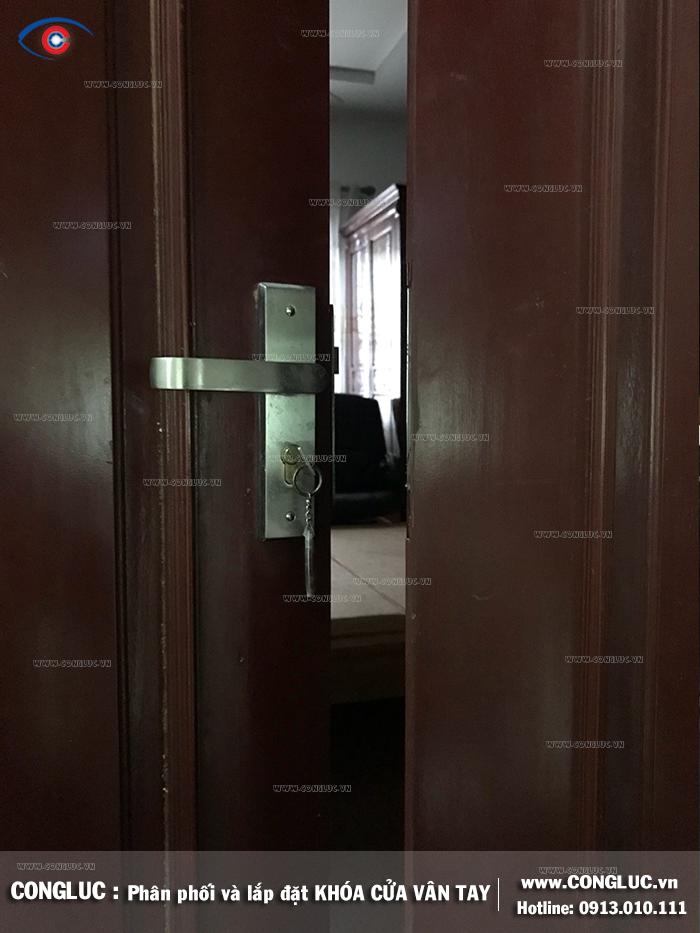 Nâng cấp khóa cửa khách sạn tại đường Văn Cao