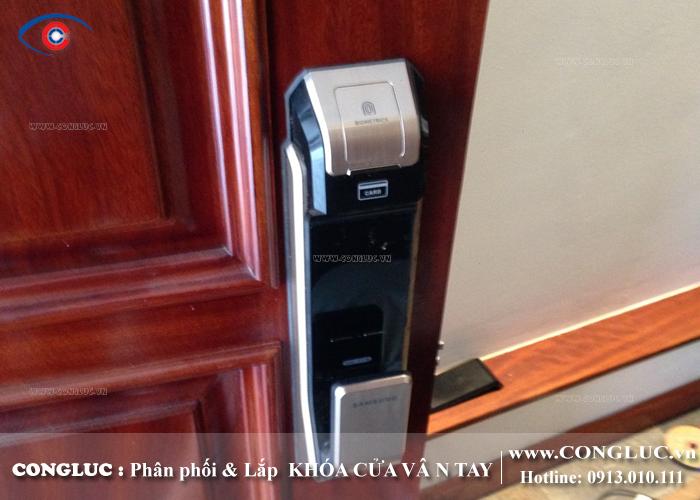 Lắp khóa vân tay samsung tại tòa nhà SHP Lạch Tray