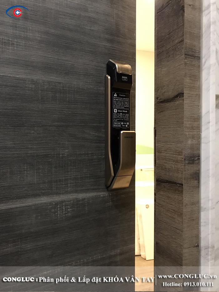 Lắp khóa vân tay samsung tai SHP Plaza Lạch Tray Hải Phòng