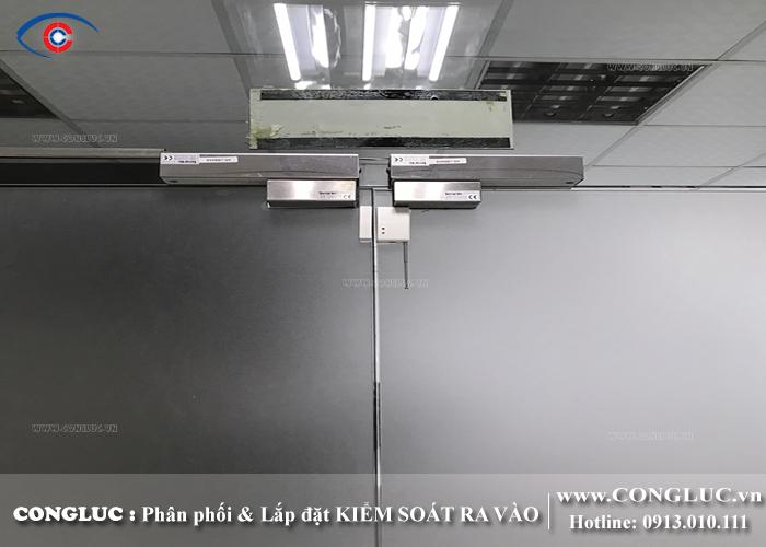 lắp thiết bị kiểm soát cửa ra vào tại ccn quán trữ