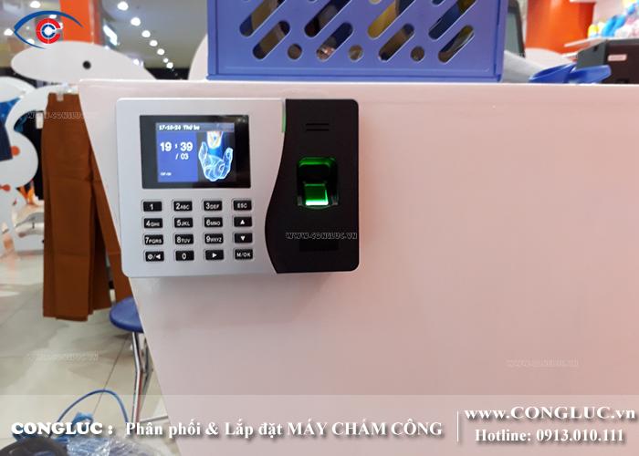 lắp máy chấm công cho shop thời trang Rabity siêu thị BigC Hải Phòng