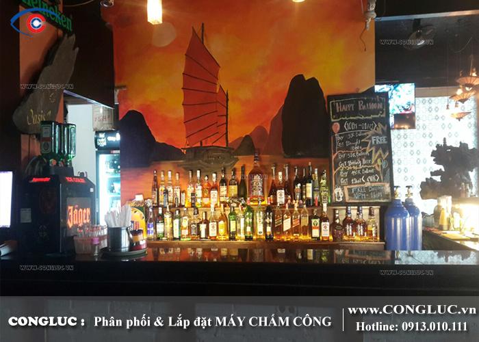Lắp máy chấm công cho nhà hàng Oasis Bar tại Cát Bà