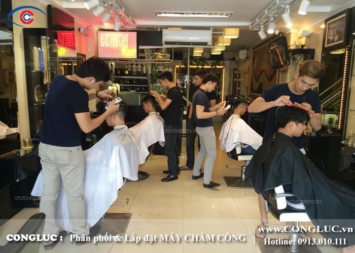 lắp máy chấm công tại salon tóc trung quân hải phòng